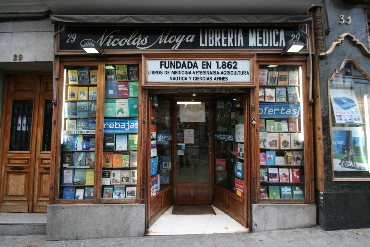 Nicol s moya y la veterinaria la librer a cient fica m s for Libreria puerta del sol
